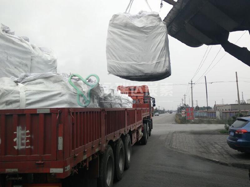 木质活性炭发往福建
